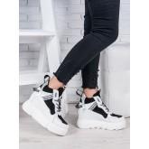 Спортивні ботинки